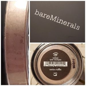 Bareminerals eyeshadow eye color Satin Ruffle